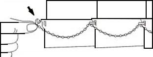 Соедините нижние части ламелей цепочкой. При монтаже пластиковых жалюзи эта операция опциональна
